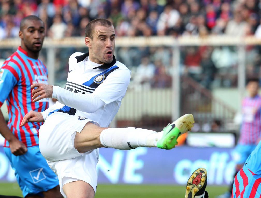 Rodrigo Palacio nella partita dell'anno scorso (Infophoto)