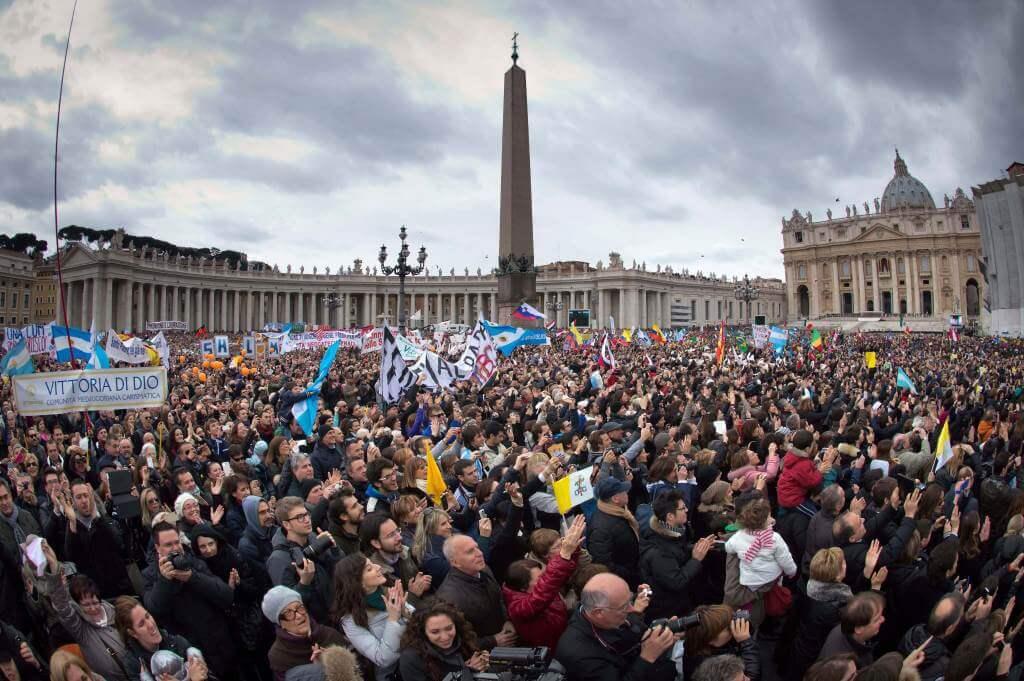 Piazza San Pietro (InfoPhoto)