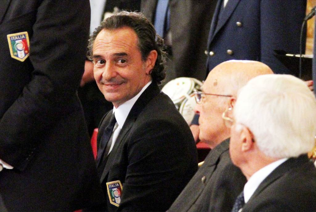 Il ct Prandelli con il presidente Napolitano (Infophoto)