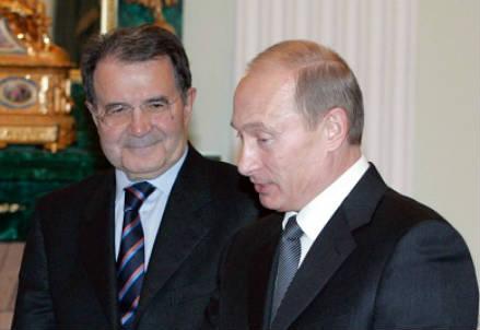Romano Prodi e Vladimir Putin in un'immagine d'archivio