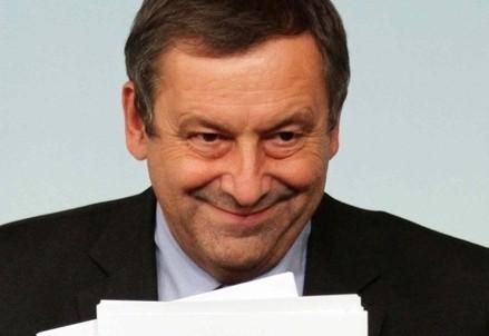 L'ex ministro dell'Istruzione Francesco Profumo (Infophoto)