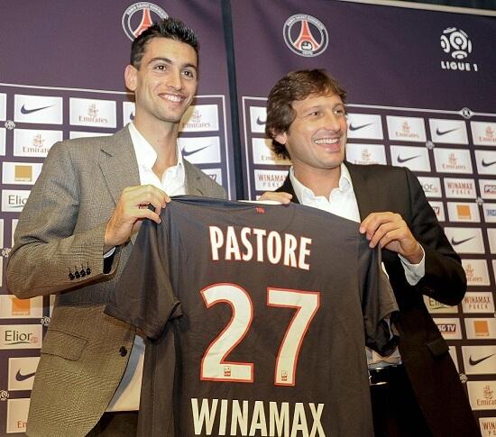 Javier Pastore, 23 anni, qui con Leonardo il giorno della presentazione al PSG (INFOPHOTO)