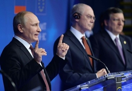 Vladimir Putin a un summit europeo (Infophoto)