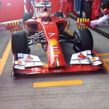 Kimi Raikkonen al volante della nuova Ferrari