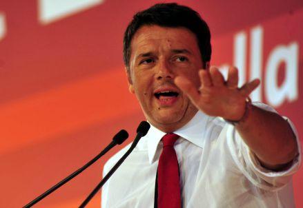 Matteo Renzi chiude la festa de l'Unità di Milano (Infophoto)
