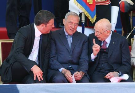 Matteo Renzi, Pietro Grasso e Giorgio Napolitano (Infophoto)