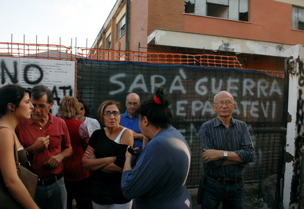 Proteste in periferia a Roma (Infophoto)