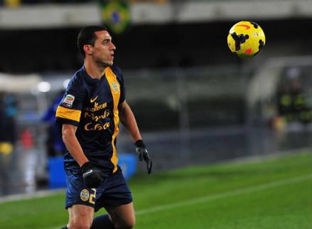 Romulo, centrocampista Hellas Verona (Foto Infophoto)