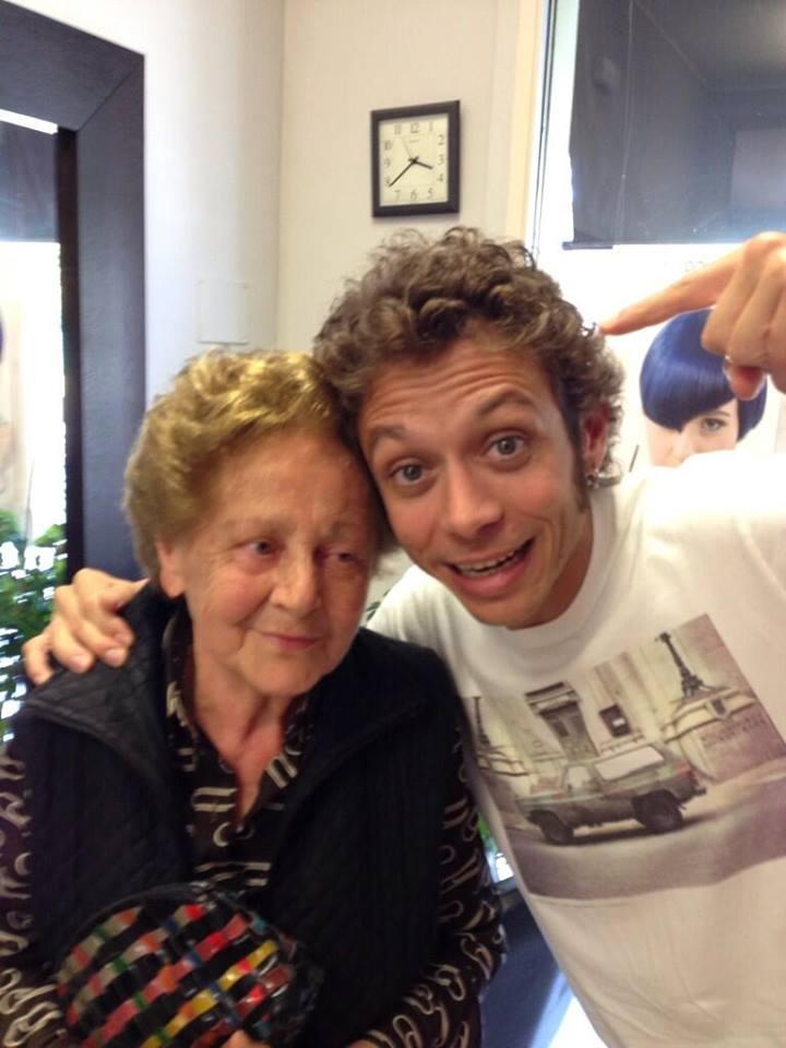 Valentino Rossi e la nonna