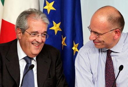 Fabrizio Saccomanni e Enrico Letta (Infophoto)