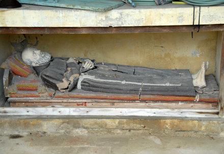 La tomba di San Serafino
