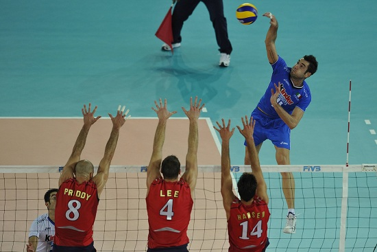 Christian Savani in azione (Infophoto)