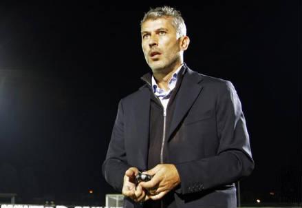Cristiano Scazzola, 44 anni, allenatore della Pro Vercelli (dall'account Twitter ufficiale @ProVercelli1892)