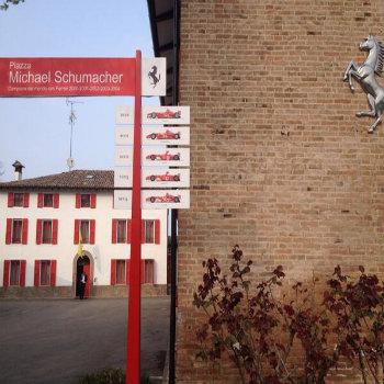 La piazza Michael Schumacher nella sede Ferrari