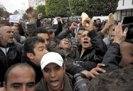 Scontri a Tunisi
