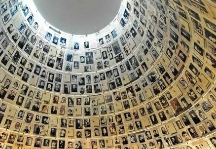 Dentro lo Yad Vashem (InfoPhoto)