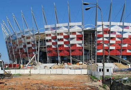 Lo stadio di Varsavia durante i lavori (Infophoto)