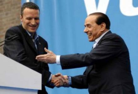 Flavio Tosi e Silvio Berlusconi (InfoPhoto)