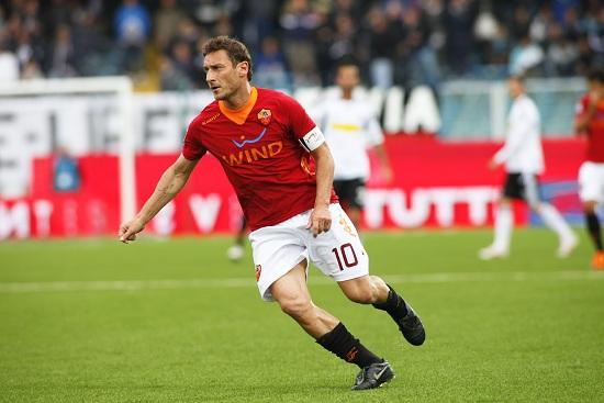 Francesco Totti, capitano della Roma (Foto Infophoto)
