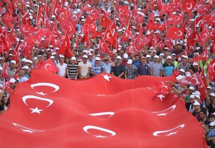In piazza ad Ankara contro il terrorismo (Infophoto)