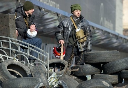 Sul Majdan, in Ucraina, nell'inverno scorso (Infophoto)