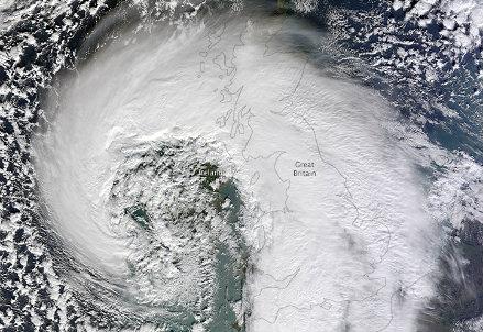 Ciclone extratropicale sull'Europa nordoccidentale (Credito: Nasa)