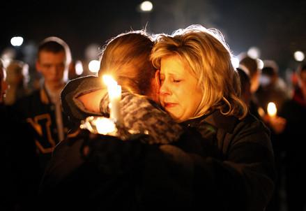 Dove trovare la speranza dopo la tragedia in Connecticut? (InfoPhoto)