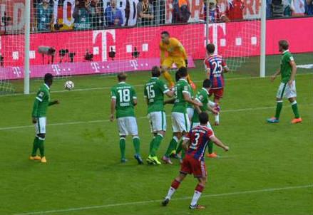 Primo gol in maglia Bayern Monaco per Xabi Alonso (dall'account Twitter ufficiale @FCBayern)