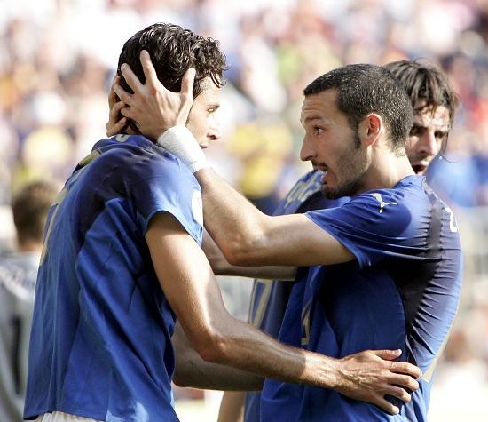 Fabio Grosso e Gianluca Zambrotta durante i Mondiali di Germania 2006 (INFOPHOTO)