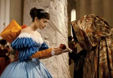 Una scena del film Biancaneve