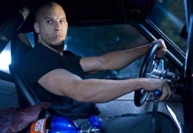 Una scena del film Fast and Furious 5