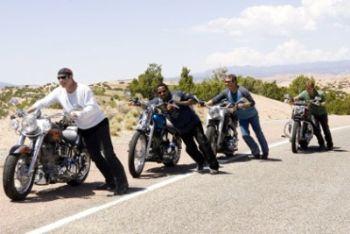 Una scena del film Svalvolati on the road
