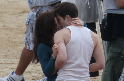 Robert e Kristen sul set