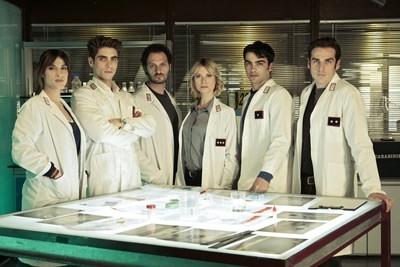 Gli agenti con il capitano Brancato al centro