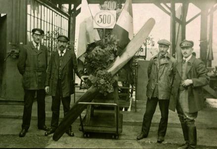 Il 500mo motore BMWIIIa, costruito nel 1918