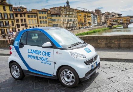 Una Smart di Car2Go a Firenze