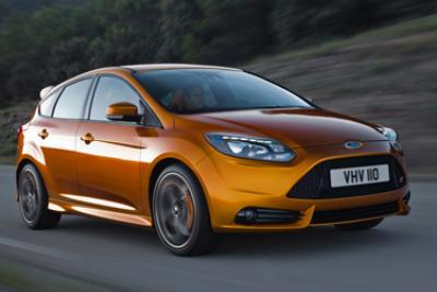 Ford_Focus_ST_ParigiR400.jpg