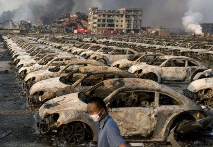 L'esplosione di Tianjin (Cina) in uno stabilimento di auto