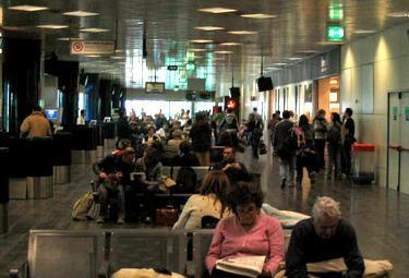 Aeroporto_marconi_bolognaR375_25mag2009.jpg