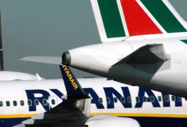 Alitalia_RyanairR375.jpg