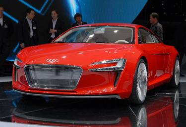Audi%20e-tron_R375.jpg