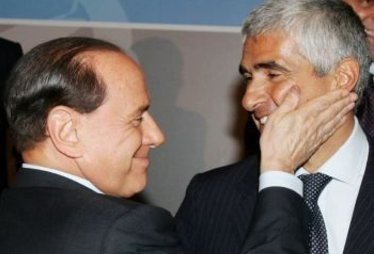 BerlusconiSchiaffettoCasini_R375.jpg