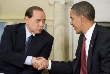 Berlusconi_Obama_StrettaR375.jpg