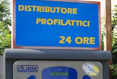 DistributoreProfilattici_R375.jpg