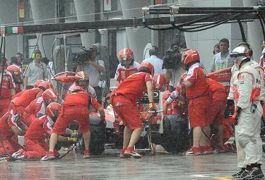 Ferrari box Sepang_R375.JPG