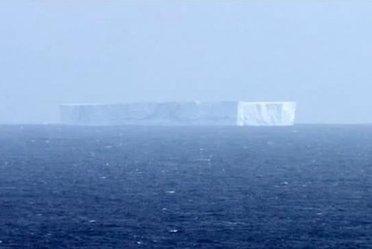 IcebergAustralia_R375.JPG