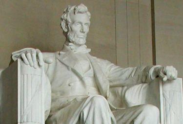 Lincoln_statuaR375_15gen09.jpg