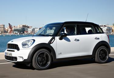 Mini%20Countryman_R375.jpg