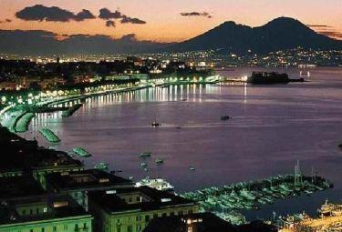 Napoli_panoramaR375_22dic08.jpg