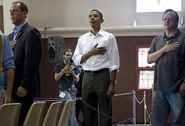 Obama_mano_pettoR375.jpg